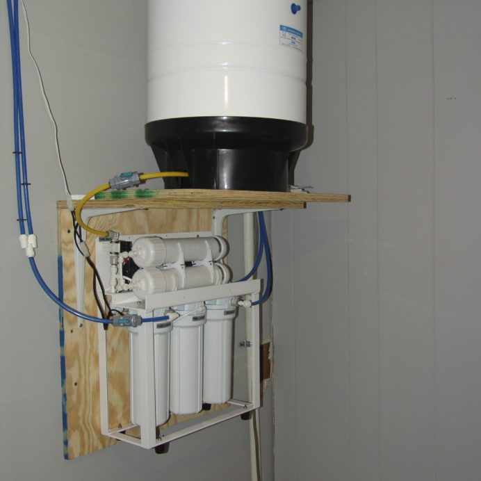 Reverse Osmosis System for 99.9% contaminant free cooking & drinking water