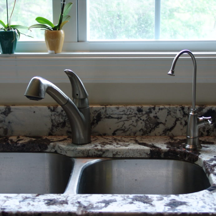 Matching Reverse Osmosis and Tap Water Faucets.